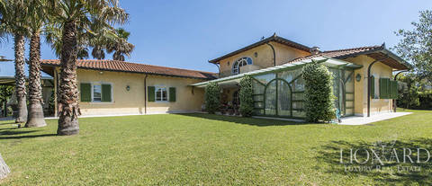 wonderful villa with swimming pool in forte dei marmi