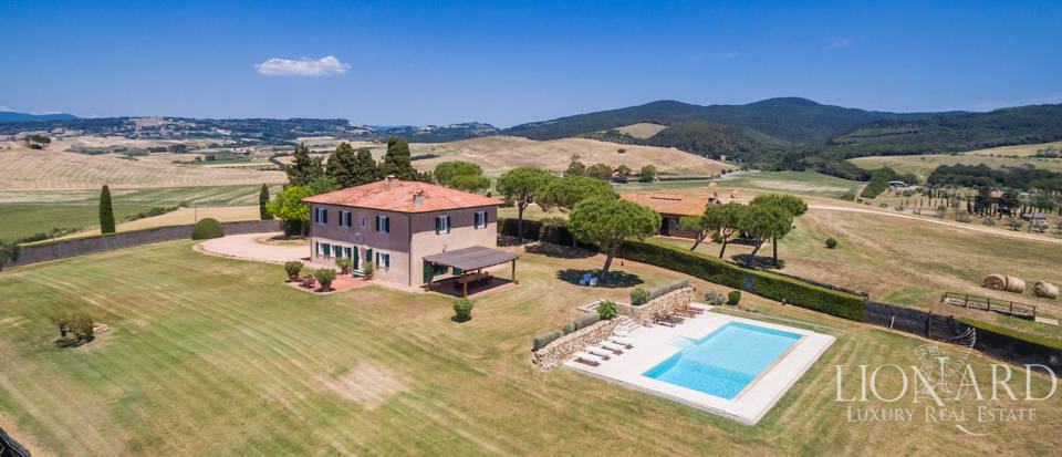 Wonderful Tuscan farmstead near Livorno Image 1