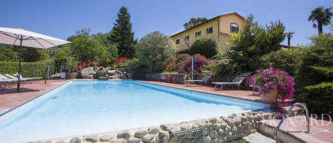 luxury villa with swimming pool for sale in pistoia
