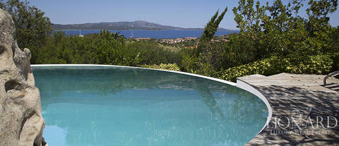 luxurious villa for sale in porto rotondo