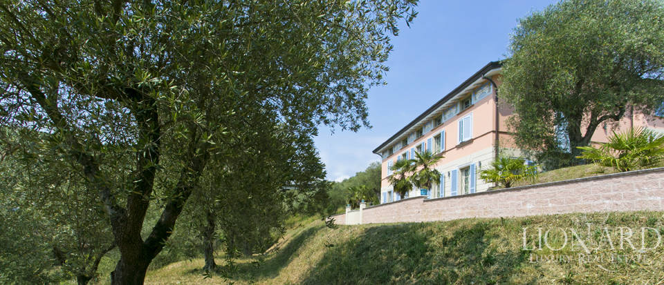 luxury villa for sale near lucca