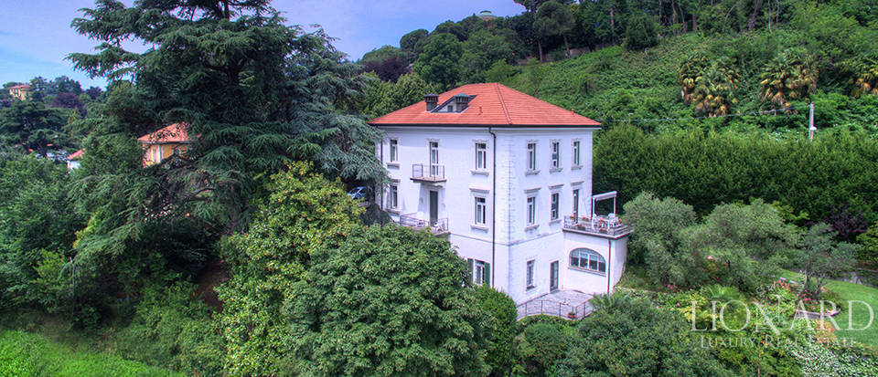 period villa for sale in the province of como