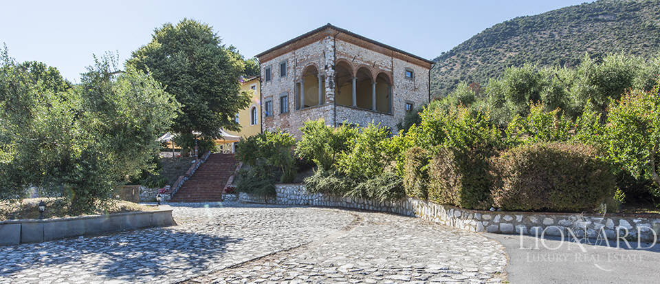 16th century villa on the hills between lucca and pisa