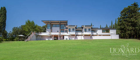 modern prestigious estate for sale in arezzo