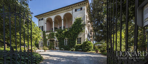 charming hotel in an 18th century villa in lucca