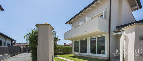 luxury house for sale in forte dei marmi
