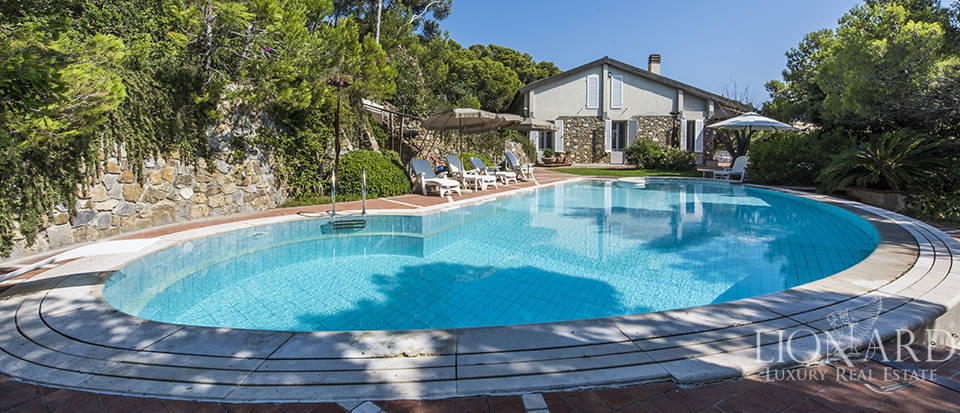 Villa by the sea with swimming pool in Rosignano Marittimo Image 1