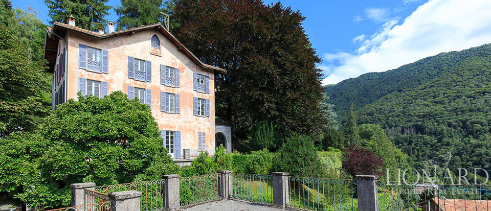 villa with view of lake como for sale