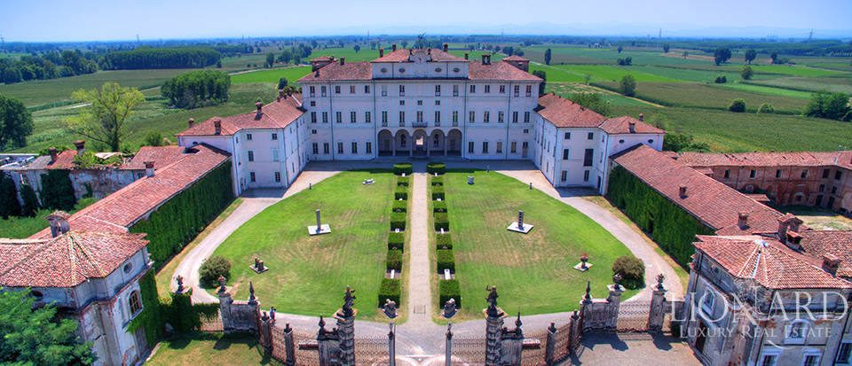 Historical estate for sale in the province of Lodi Image 1