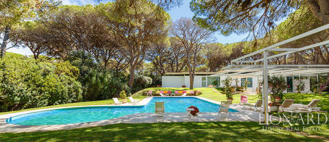 charming villa with swimming pool in roccamare