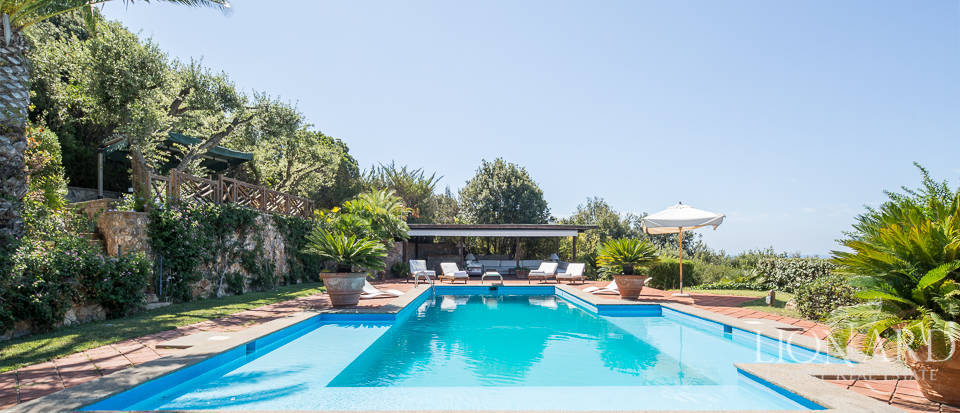 magnificent villa for sale in ansedonia
