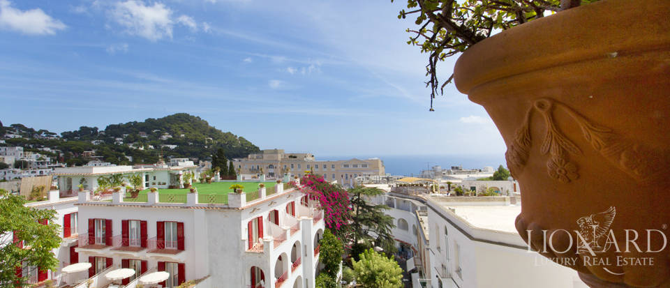 Wonderful apartment for sale in Capri Image 1
