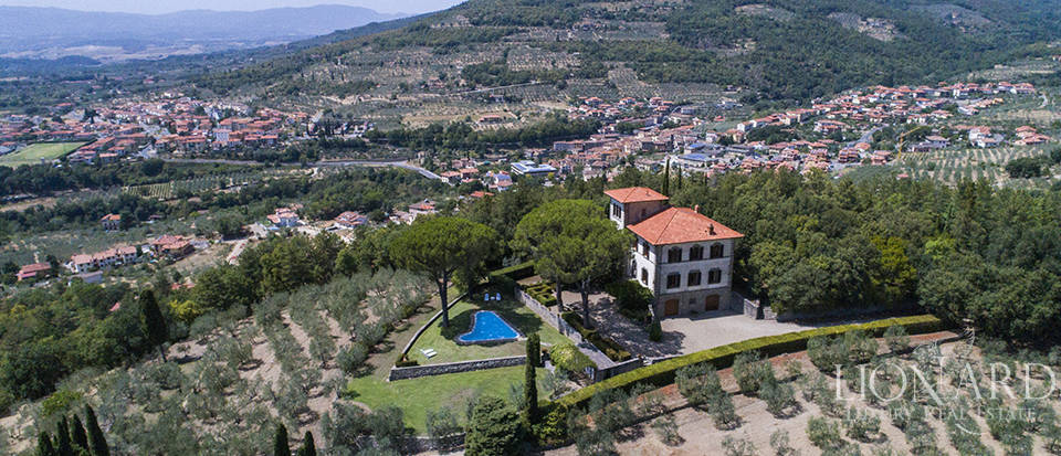 wonderful luxury estate with a park in loro ciuffenna