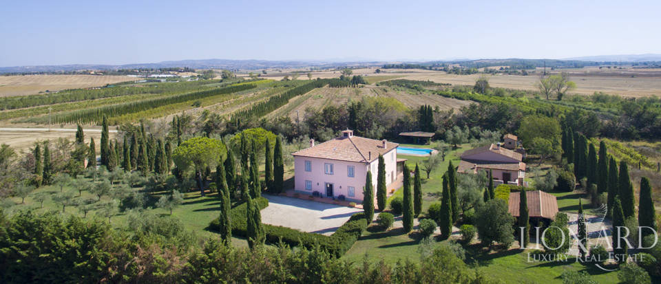 wonderful villa for sale in orbetello