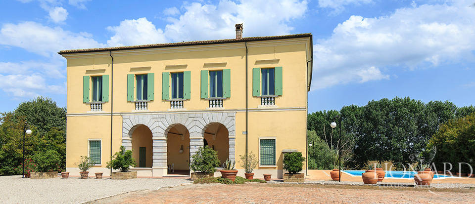 Enchanting historical estate at the outskirts of Mantua Image 1