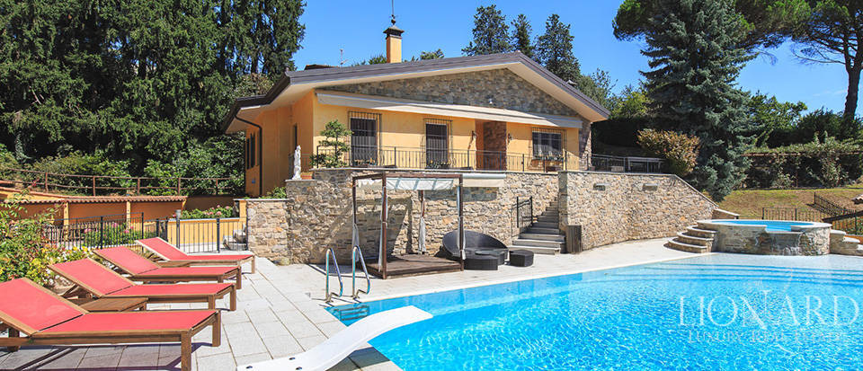 prestigious luxury villa a few kilometers from lecco
