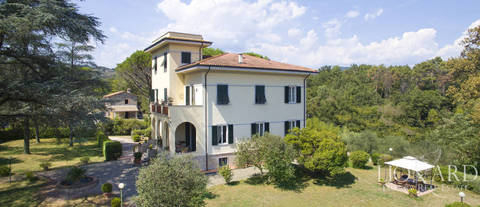 villa for sale countryside Lucca
