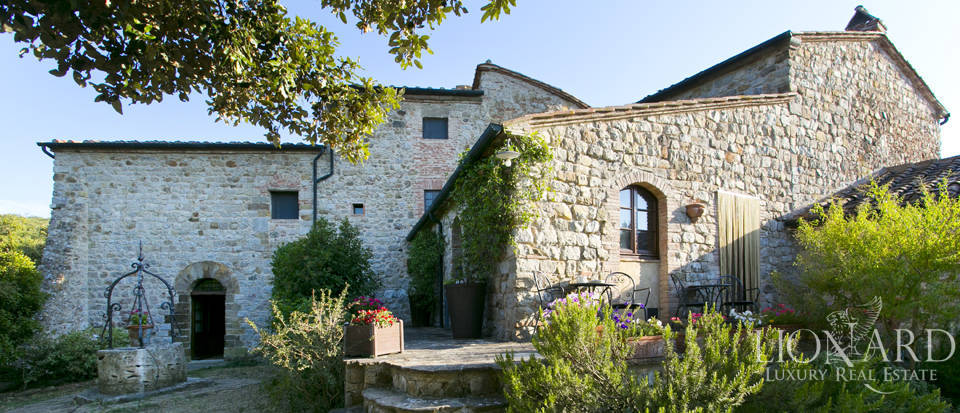 charming farmhouse for sale in volterra