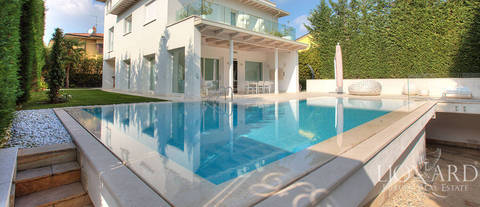 modern villa for sale in franciacorta