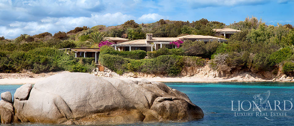 Stunning villa for sale on Cavallo Island Image 1