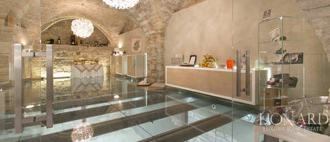 magnificent palace for sale in assisi