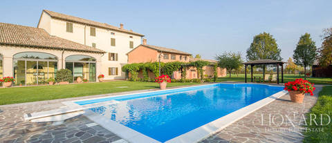 wonderful farmhouse for sale in parma