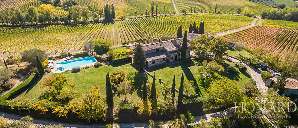 luxurious inn for sale in montepulciano
