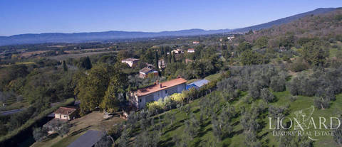 wonderful farmhouse for sale in loro ciuffenna