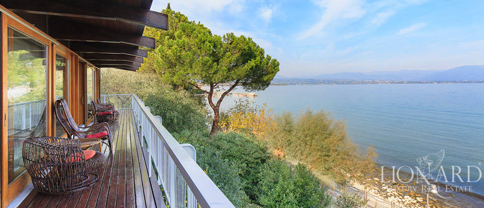 wonderful lake front villa in desenzano del garda