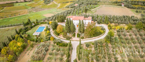 wonderful villa for sale in vinci