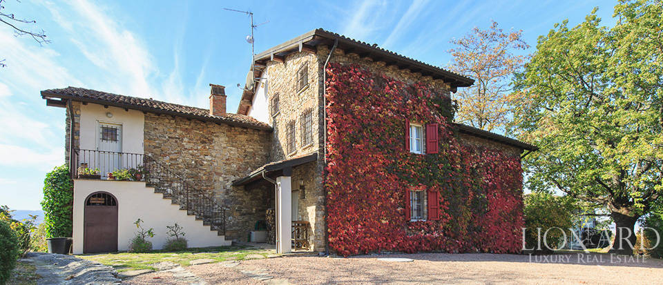 wonderful villa for sale in the oltrepo pavese area