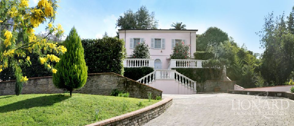 Villa in Carrara