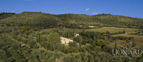 farmstead for sale in grosseto s countryside