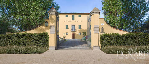 prestigious historical villa for sale in lucca