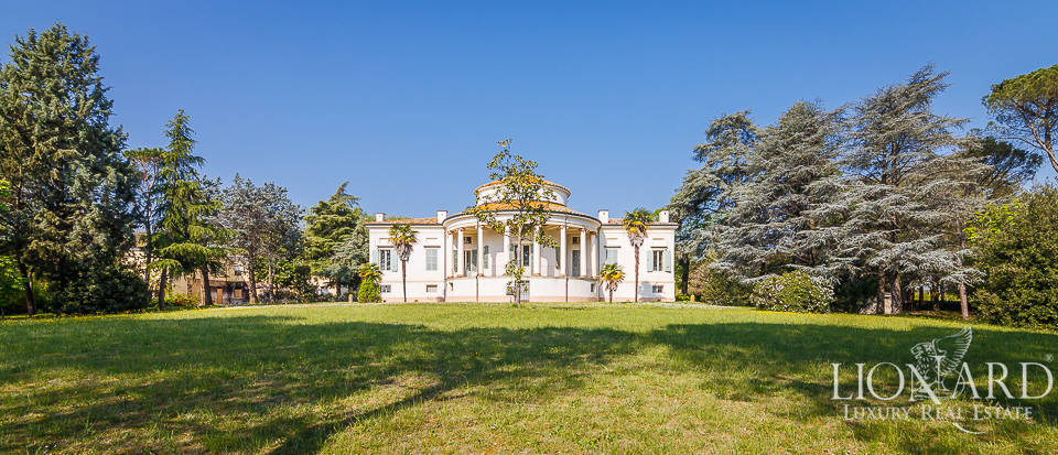 historical villa for sale in faenza
