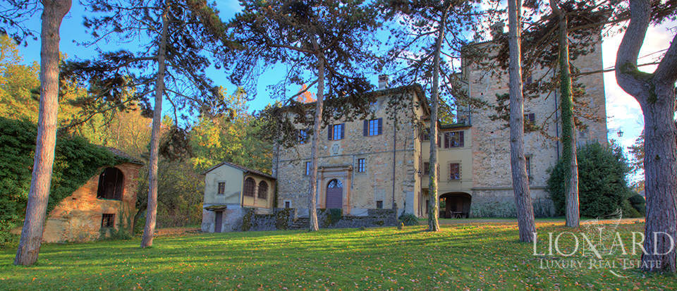 Historical estate for sale in the province of Piacenza Image 1