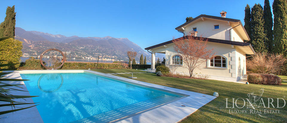 Stunning villa with lake view in front of Lake Garda Image 1