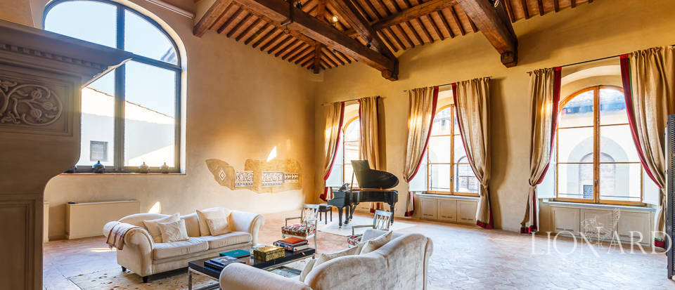 elegant apartment in a historical building in florence