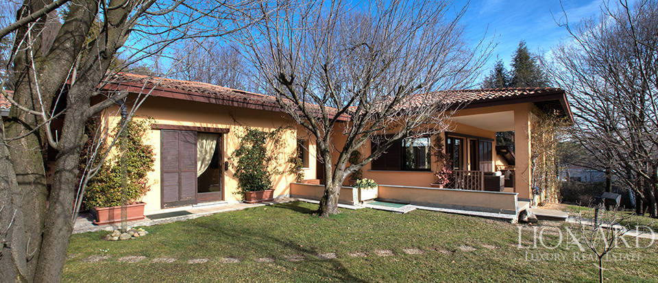 Villa for sale in Appiano Gentile Image 1