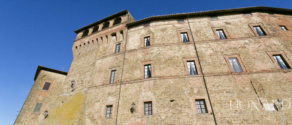 wonderful castle for sale in umbria