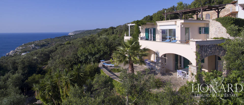 magnificent villa by the sea in apulia