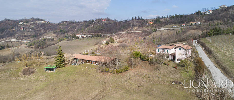 Farmhouse for sale in the province of Alessandria Image 1