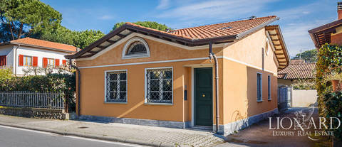 newly built cottage for sale in forte dei marmi