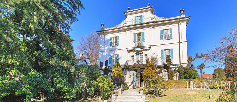 Historical villa for sale in Stresa Image 1