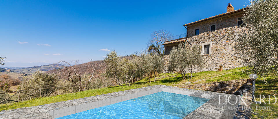 traditional farmstead for sale in chianti
