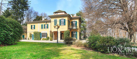 villa for sale near como