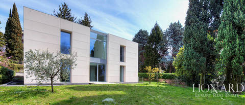 modern lake front villa for sale in lecco