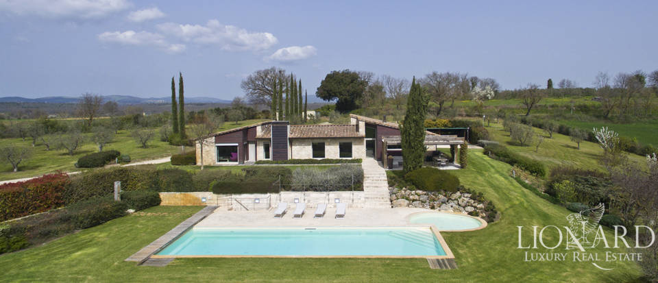 luxurious villa for sale in colle val d elsa
