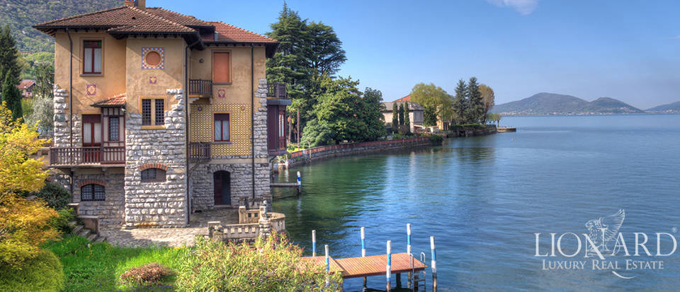 lake front villa for sale by lake iseo
