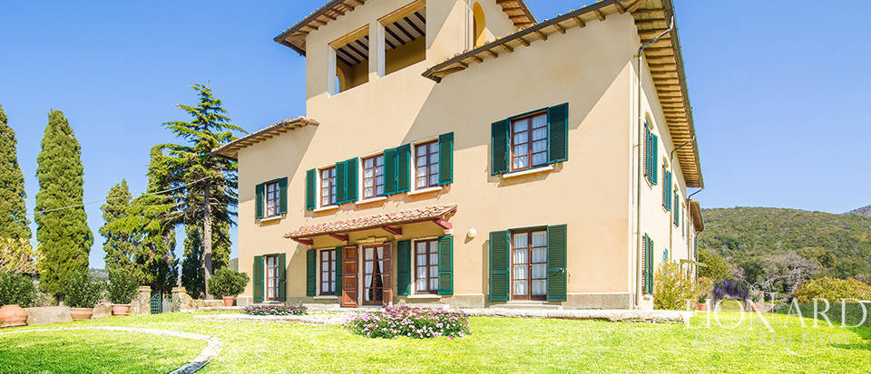 Stunning farmstead for sale on Livorno